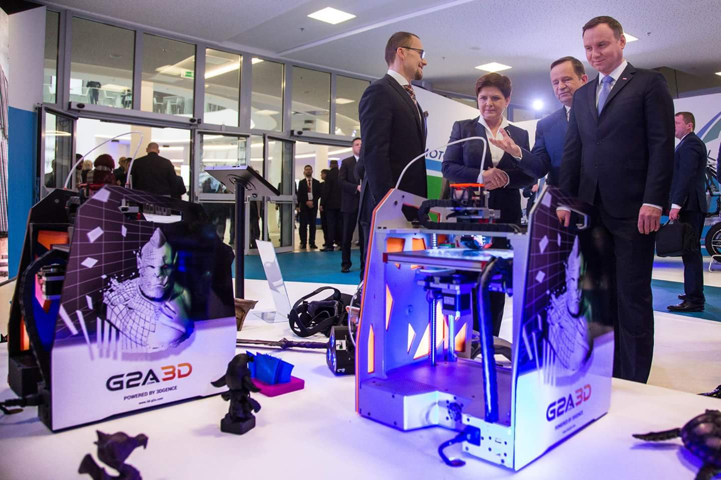 Presenting G2A 3D to Andrzej Duda, President of Poland, Beata Szydło, Prime Minister of Poland and Władysław Ortyl, Marshall of the Subcarpathian Voivodeship